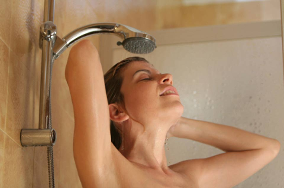woman_shower_lg
